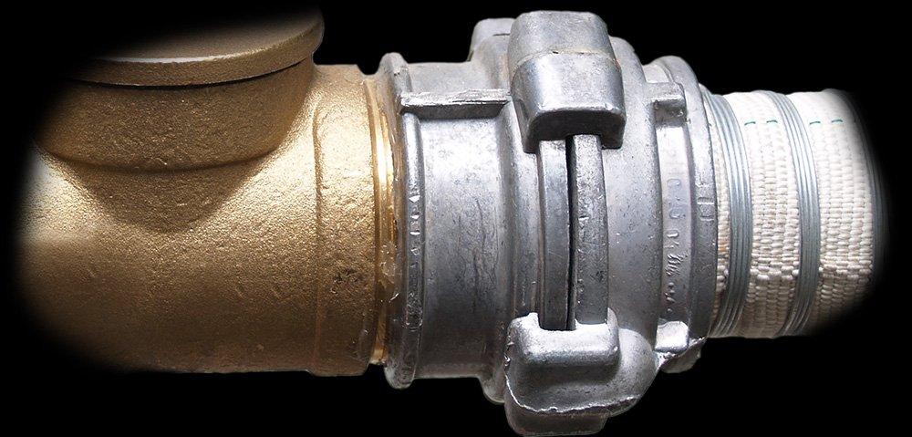 Цапфовые быстроразъемные соединения для водоводов